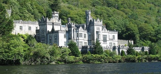 Top 10 Palatial Estates Around the World palatial estates Top 10 Palatial Estates Around the World palatial estates kylemore co galway abbey ireland2 632x290