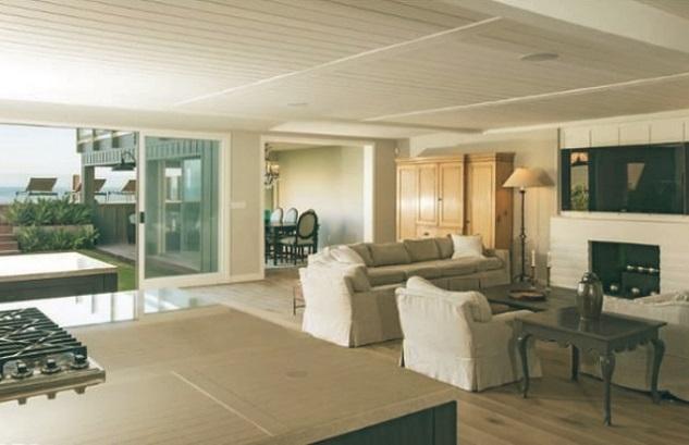 Leonardo-DiCaprio-Malibu-Beach-Home-Indoor-Outdoor-Living-room