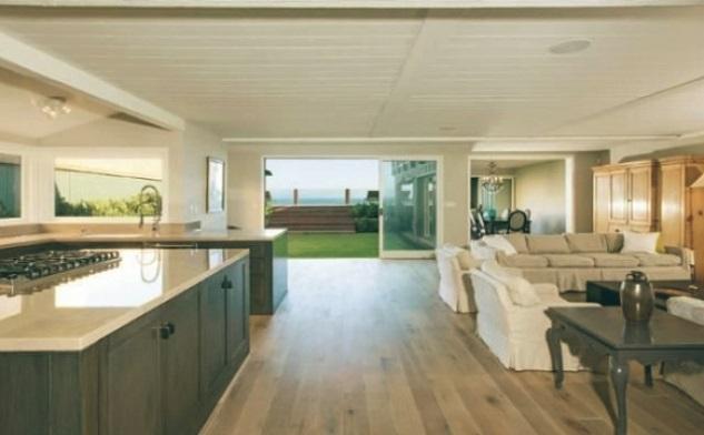 Leonardo-DiCaprio-Malibu-Beach-Home-kitchen