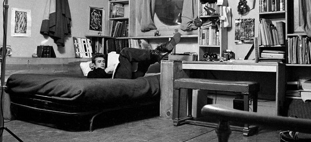 10 Incredible Hollywood Vintage Mansions: How the Stars Lived [object object] 10 Incredible Hollywood Vintage Mansions: How the Stars Lived james dean new york apartment1
