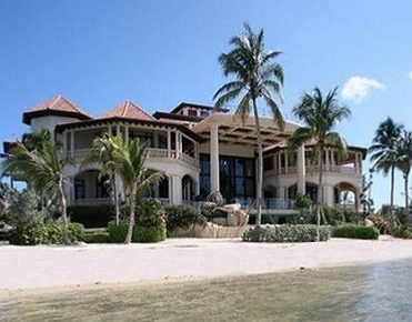 The Most Expensive Beach Home: Villa Castillo villa castillo The Most Expensive Beach Home: Villa Castillo castillo caribe villa 2 the most expesnive beach home1 371x290