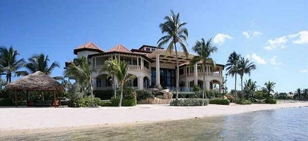 The Most Expensive Beach Home: Villa Castillo villa castillo The Most Expensive Beach Home: Villa Castillo castillo caribe villa 2 the most expesnive beach home1 633x290