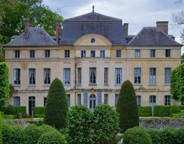 Royal style: Catherine Deneuve's french castle is on the market Royal style: Catherine Deneuve's french castle is on the market Royal style: Catherine Deneuve's french castle is on the market CATHERINE DENEUVE french chateau1 371x290