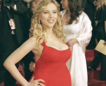 Luxury beach homes: Scarlett Johansson's Hamptons house