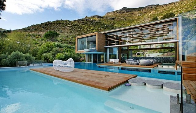 Contemporary luxury homes: The Spa House
