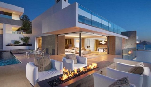 Luxury Terraces: 10 Outdoor Design Ideas With Fireplace design ideas with fireplace Luxury Terraces: 10 Outdoor Design Ideas With Fireplace Fireplace seaview 690x4601 644x370