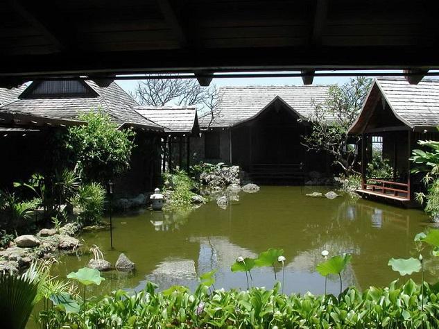 celebrity-homes-david-bowie-04 Celebrity Homes: David Bowie's Balinese inspired Villa Celebrity Homes: David Bowie's Balinese inspired Villa celebrity homes david bowie 04