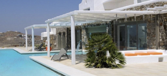 The Most Expensive Beach Homes: Modern Villa in Mykonos The Most Expensive Beach Homes: Modern Villa in Mykonos The Most Expensive Beach Homes: Modern Villa in Mykonos luxury modern villa mykonos 021 640x290