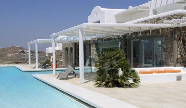 The Most Expensive Beach Homes: Modern Villa in Mykonos
