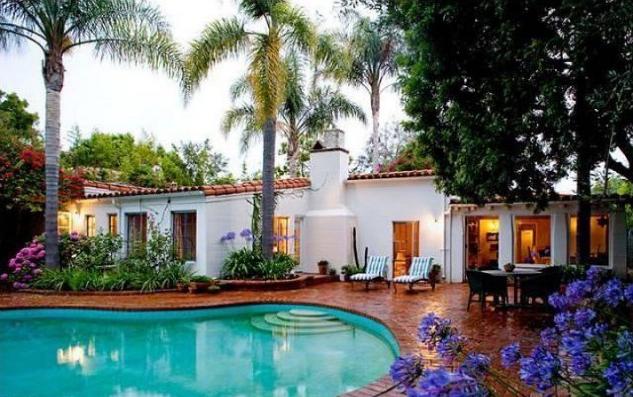 Outside_LA-Marilyn-Monroe-Glamorous-Former-Home LA's Marilyn Monroe Glamorous Former Home LA's Marilyn Monroe Glamorous Former Home Outside LA Marilyn Monroe Glamorous Former Home
