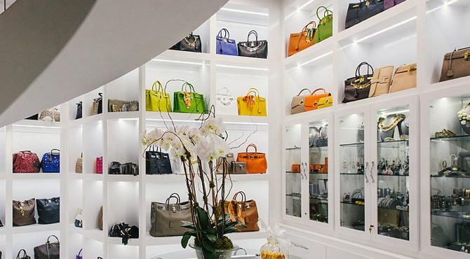 Mansion with the America's largest closet is for sale Mansion with the America's largest closet is for sale Mansion with the America's largest closet is for sale House with the most expensive homes the Americas largest closet is for sale 1 670x370