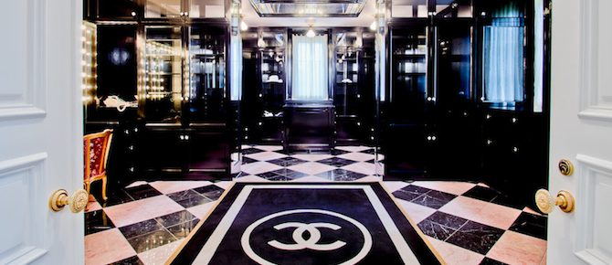 chanel-inspired-closet-comes-with-mansion-in-texas-cover Chanel-Inspired Closet Comes With a $17.5M Mansion in Texas Chanel-Inspired Closet Comes With a $17.5M Mansion in Texas chanel inspired closet comes with mansion in texas cover 670x290