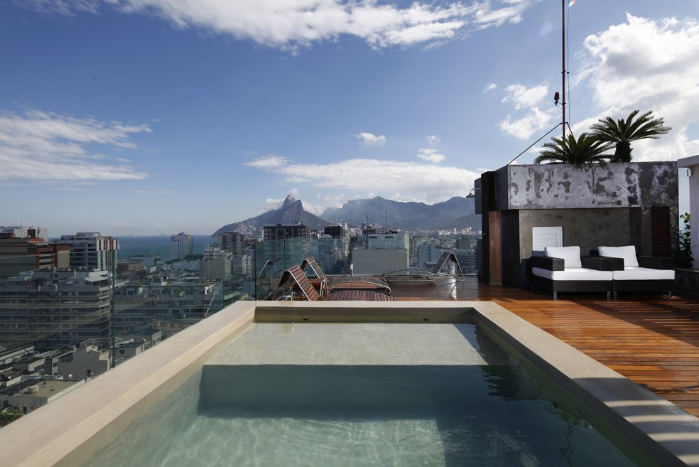 the-most-expensive-homes-luxury-real-estate-rio-de-janeiro-Triplex penthouse in ipanema-3