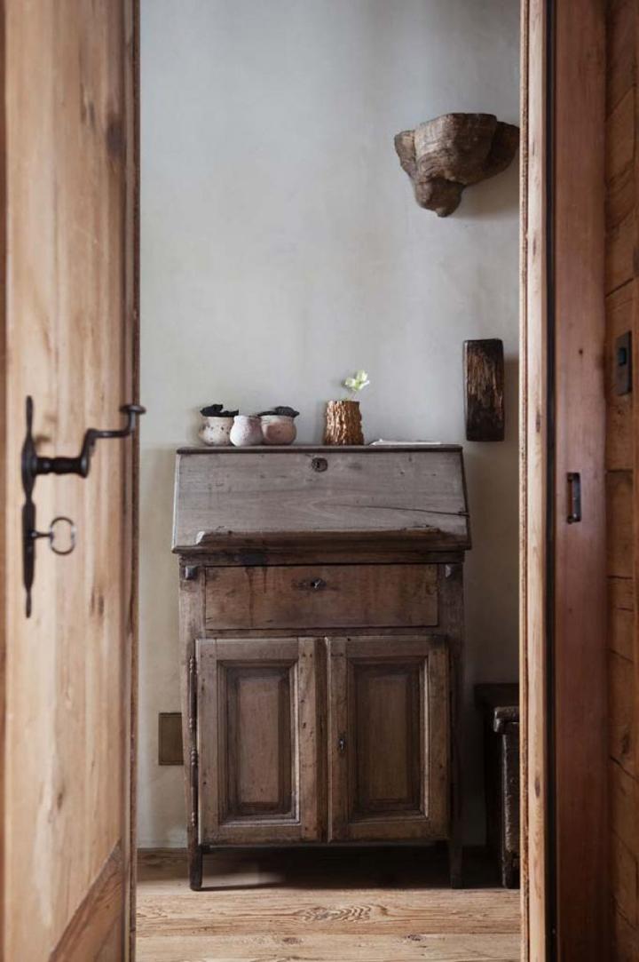 Best-interior-designers-top-interior-designer-axel-vervoordt-1 12th-century castle by Axel Vervoordt 12th-century castle by Axel Vervoordt Best interior designers top interior designer axel vervoordt 1