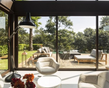 Limantos House in Sao Paulo by Fernanda Marques