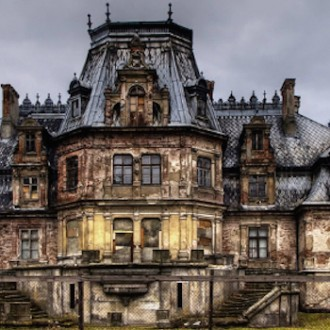 11 Fascinating Abandoned Mansions To Visit for Halloween
