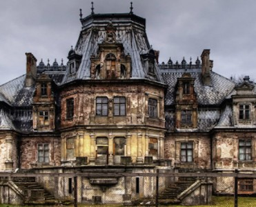 Halloween-Ideas-Fascinating-Abandoned-Mansions-To-Visit-cover fascinating abandoned mansions 11 Fascinating Abandoned Mansions To Visit for Halloween Halloween Ideas Fascinating Abandoned Mansions To Visit cover 371x300