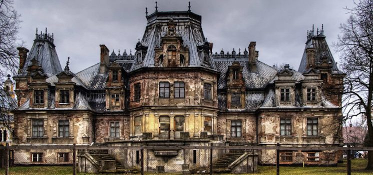Halloween-Ideas-Fascinating-Abandoned-Mansions-To-Visit-cover fascinating abandoned mansions 11 Fascinating Abandoned Mansions To Visit for Halloween Halloween Ideas Fascinating Abandoned Mansions To Visit cover 745x350