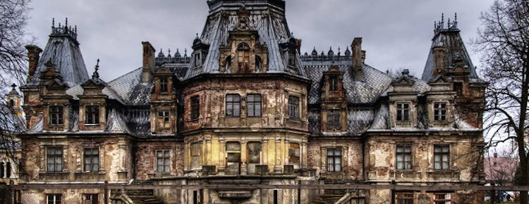 Halloween-Ideas-Fascinating-Abandoned-Mansions-To-Visit-cover fascinating abandoned mansions 11 Fascinating Abandoned Mansions To Visit for Halloween Halloween Ideas Fascinating Abandoned Mansions To Visit cover 750x290
