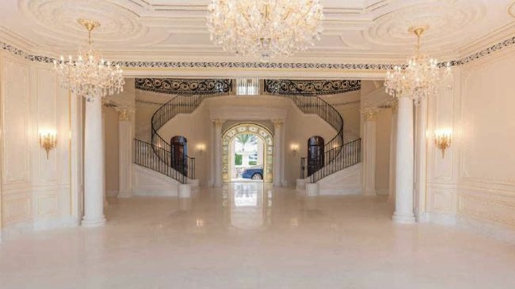 take-a-look-inside-the-most-expensive-home-in-america-2