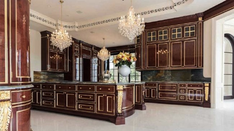 take-a-look-inside-the-most-expensive-home-in-america-4