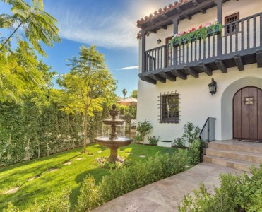 The Sons of Anarchy Star Charlie Hunnam Buys L.A. Home for $2.7 Million ➤ To see more news about The Most Expensive Homes around the world visit us at www.themostexpensivehomes.com #mostexpensive #mostexpensivehomes #themostexpensivehomes @expensivehomes