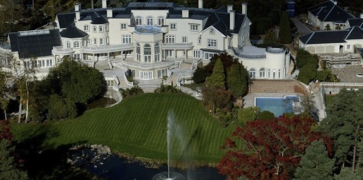 Take a Look at Some of the Most Expensive Homes in the World ➤ To see more news about The Most Expensive Homes around the world visit us at www.themostexpensivehomes.com #mostexpensive #mostexpensivehomes #themostexpensivehomes @expensivehomes