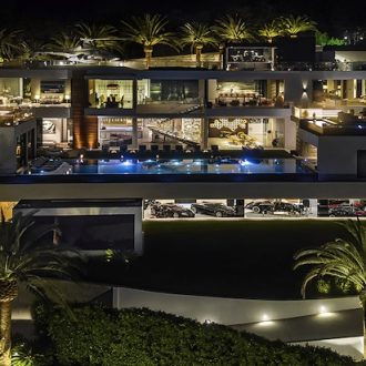 This Bel-Air Luxury Mansion is America's Most Expensive Home ➤ To see more news about The Most Expensive Homes around the world visit us at www.themostexpensivehomes.com #mostexpensive #mostexpensivehomes #themostexpensivehomes @expensivehomes
