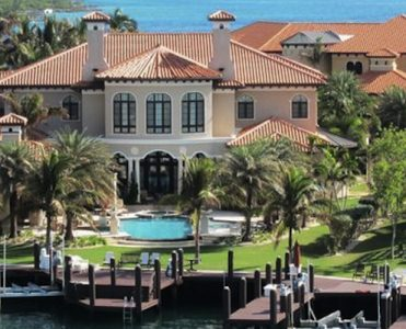 This Breathtaking Villa Florentine In Bahamas is Listed for $21.5 Mi ➤ To see more news about The Most Expensive Homes around the world visit us at www.themostexpensivehomes.com #mostexpensive #mostexpensivehomes #themostexpensivehomes @expensivehomes
