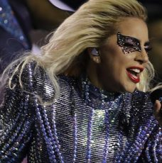 Check Out the Airbnb Mansion Lady Gaga Stayed During Super Bowl 2017 ➤ To see more news about The Most Expensive Homes around the world visit us at www.themostexpensivehomes.com #mostexpensive #mostexpensivehomes #themostexpensivehomes @expensivehomes