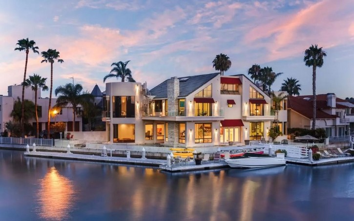 Top 10 Most Expensive Airbnb Houses To In The Usa See More News