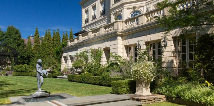 This Luxury Real Estate in Chicago's Lincoln Park is Listed For $50M ➤ To see more news about The Most Expensive Homes around the world visit us at www.themostexpensivehomes.com #mostexpensive #mostexpensivehomes #themostexpensivehomes @expensivehomes luxury real estate in chicago This Luxury Real Estate in Chicago's Lincoln Park is Listed For $50M This Luxury Real Estate in Chicagos Lincoln Park is Listed For 50M 745x370
