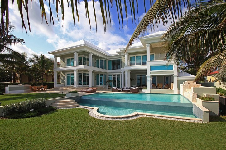 This Stunning Ocean Club Estate in the Bahamas is for Sale for $14.5M ➤ To see more news about The Most Expensive Homes around the world visit us at www.themostexpensivehomes.com #mostexpensive #mostexpensivehomes #themostexpensivehomes @expensivehomes