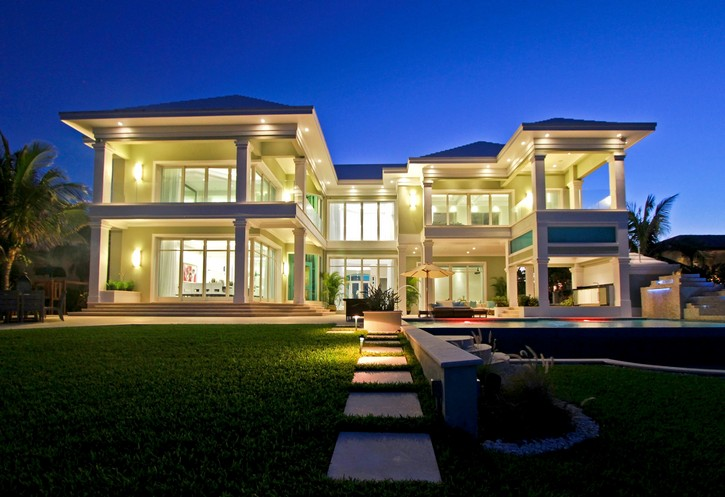 This Stunning Ocean Club Real Estate in the Bahamas is for Sale for $14.5M ➤ To see more news about The Most Expensive Homes around the world visit us at www.themostexpensivehomes.com #mostexpensive #mostexpensivehomes #themostexpensivehomes @expensivehomes