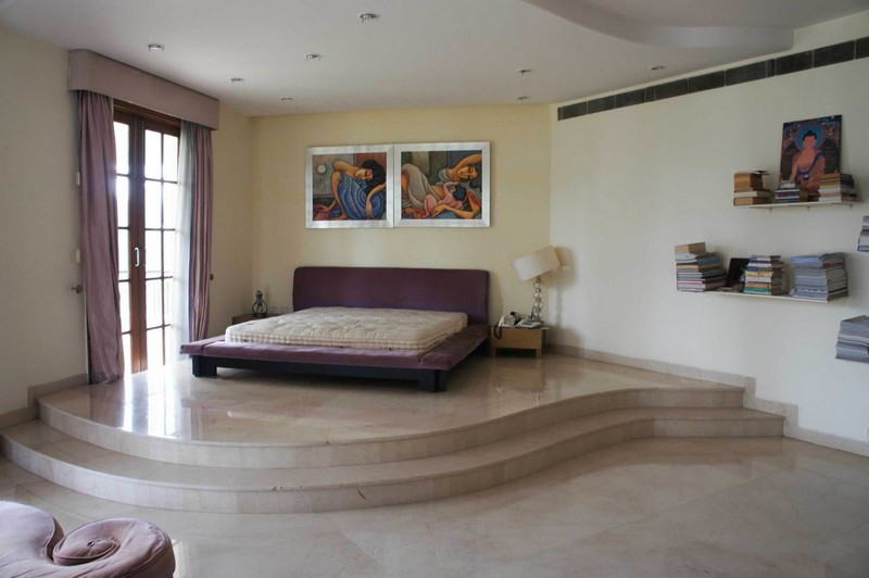 Step Inside This Glorious New Delhi's Westend Greens Farmhouse ➤ To see more news about The Most Expensive Homes around the world visit us at www.themostexpensivehomes.com #mostexpensive #mostexpensivehomes #themostexpensivehomes @expensivehomes