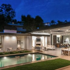 Be Amazed by This Lavish Beverly Hills Real Estate ➤ To see more news about The Most Expensive Homes around the world visit us at www.themostexpensivehomes.com #mostexpensive #mostexpensivehomes #themostexpensivehomes @expensivehomes