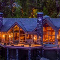 Crystal Pointe: the Ridiculously Amazing Real Estate on Lake Tahoe ➤ To see more news about The Most Expensive Homes around the world visit us at www.themostexpensivehomes.com #mostexpensive #mostexpensivehomes #themostexpensivehomes #luxuryrealestate @expensivehomes