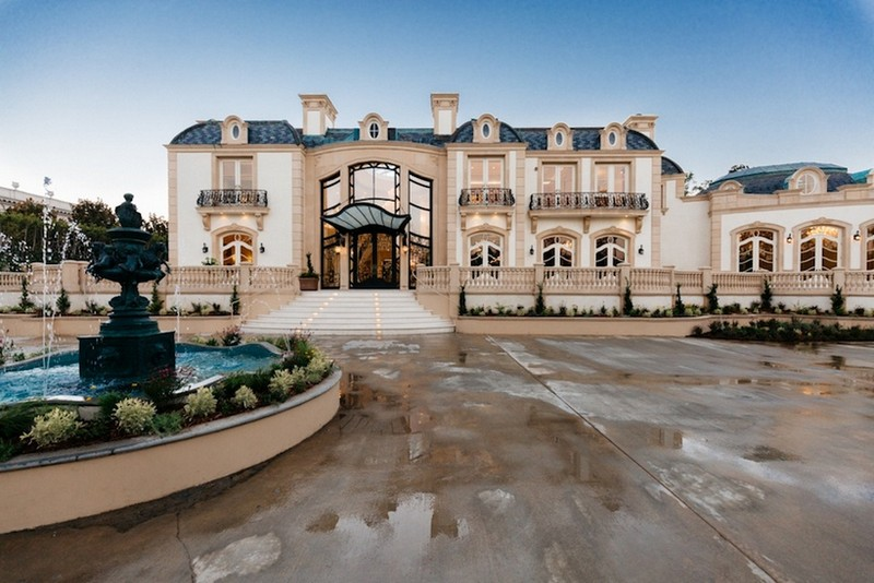 beverly hills mansion This Striking Beverly Hills Mansion is Listed for Sale for $80M This Striking Beverly Hills Mansion is Listed for Sale for 80M 1