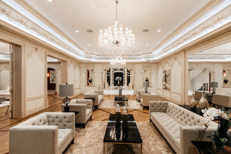 This Striking Beverly Hills Mega Mansion is Listed for Sale for $80M ➤ To see more news about The Most Expensive Homes around the world visit us at www.themostexpensivehomes.com #mostexpensive #mostexpensivehomes #themostexpensivehomes #celebrityhomes @expensivehomes