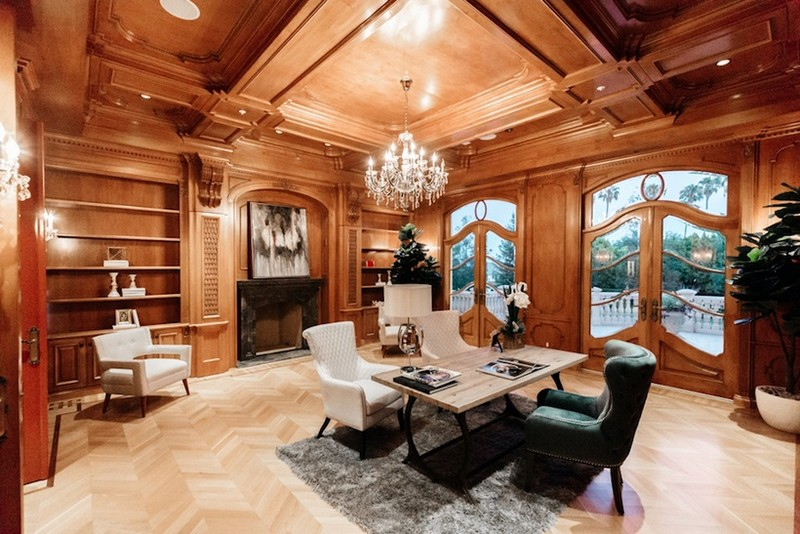 This Striking Beverly Hills Mansion is Listed for Sale for $80M ➤ To see more news about The Most Expensive Homes around the world visit us at www.themostexpensivehomes.com #mostexpensive #mostexpensivehomes #themostexpensivehomes #celebrityhomes @expensivehomes