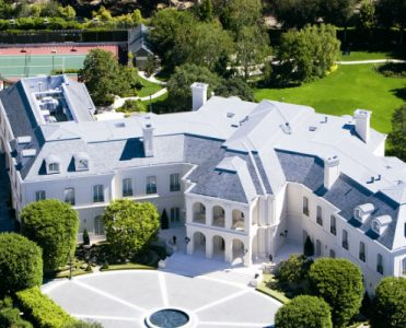 10+ America's Most Expensive Homes for Sale Right Now - Celebrity Homes - The Most Expensive Homes - Luxury Real Estate - Luxury Neighborhoods ➤ Explore The Most Expensive Homes around the world on our website! #mostexpensive #mostexpensivehomes #themostexpensivehomes #luxuryrealestate #luxuryneighborhoods #realestate #celebrityhomes @expensivehomes america's most expensive homes for sale 10+ America's Most Expensive Homes for Sale Right Now 10 Americas Most Expensive Homes for Sale Right Now Celebrity Homes The Most Expensive Homes Luxury Real Estate Luxury Neighborhoods 371x300