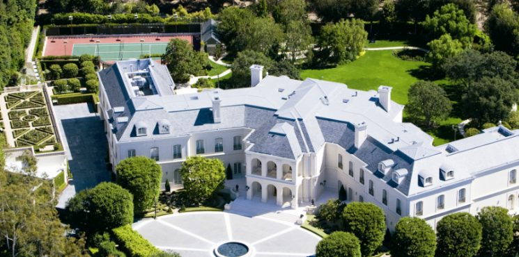 10+ America's Most Expensive Homes for Sale Right Now - Celebrity Homes - The Most Expensive Homes - Luxury Real Estate - Luxury Neighborhoods ➤ Explore The Most Expensive Homes around the world on our website! #mostexpensive #mostexpensivehomes #themostexpensivehomes #luxuryrealestate #luxuryneighborhoods #realestate #celebrityhomes @expensivehomes america's most expensive homes for sale 10+ America's Most Expensive Homes for Sale Right Now 10 Americas Most Expensive Homes for Sale Right Now Celebrity Homes The Most Expensive Homes Luxury Real Estate Luxury Neighborhoods 745x370