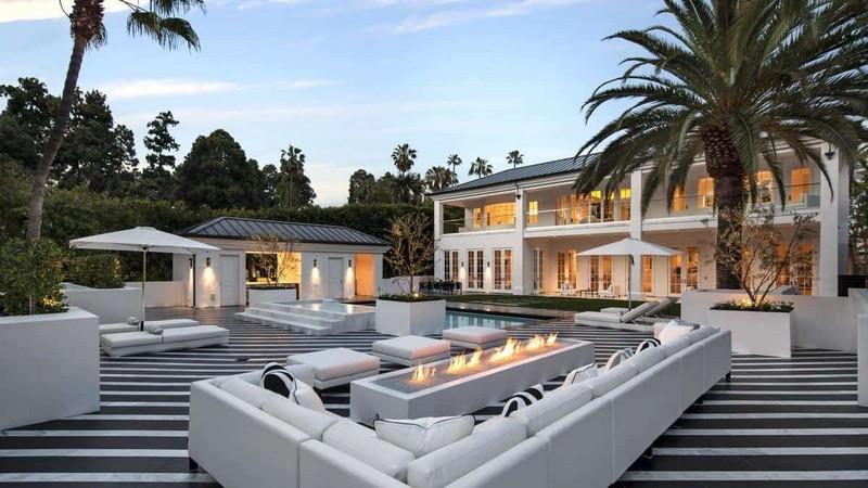 beverly hills mansion Floyd Mayweather Jr. Has Bought a Lavish Beverly Hills Mansion Floyd Mayweather Jr