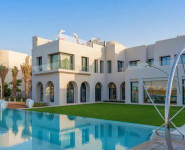 The Most Luxury Emirates Hills Villas Offers the True Taste of Dubai - Luxury Real Estate - Luxury Neighborhoods - Luxury Beach Houses - Luxury Beach Homes ➤ Explore The Most Expensive Homes around the world on our website! #mostexpensive #mostexpensivehomes #themostexpensivehomes #luxuryrealestate #luxuryneighborhoods #realestate #celebrityhomes @expensivehomes