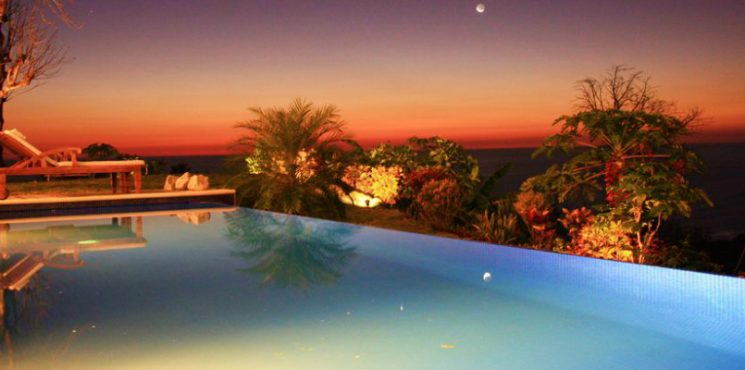 7 Jaw-droppingly Luxurious Airbnb Pools You'll Want to Dive Into - Luxury Real Estate - Celebrity Homes - Luxury Neighborhoods - Luxury Airbnb - Luxury Airbnb Destinations - Luxury Airbnb Pools ➤ Explore The Most Expensive Homes around the world on our website! #mostexpensive #mostexpensivehomes #themostexpensivehomes #luxuryrealestate #luxuryneighborhoods #realestate #celebrityhomes #LuxuryAirbnb #Airbnb @expensivehomes @airbnb