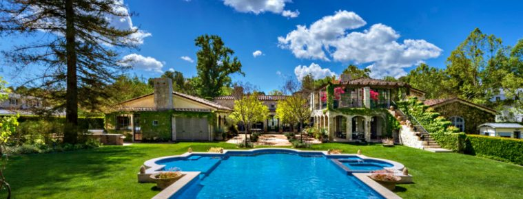 Discover the 25 America's Most Expensive ZIP Codes 2017 - Luxury Real Estate - Celebrity Homes - Luxury Neighborhoods ➤ Explore The Most Expensive Homes around the world on our website! #mostexpensive #mostexpensivehomes #themostexpensivehomes #luxuryrealestate #luxuryneighborhoods #WinterWonderlands #celebrityhomes @expensivehomes