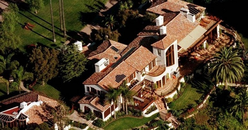 Get to Know the 20 Most Expensive Celebrity Homes in The World - The Most Expensive Homes - World's Most Expensive Celebrity Homes - Luxury Neighborhoods - Celebrity Homes ➤ Explore The Most Expensive Homes around the world on our website! #mostexpensive #mostexpensivehomes #themostexpensivehomes #luxuryrealestate #luxuryneighborhoods #realestate #celebrityhomes @expensivehomes