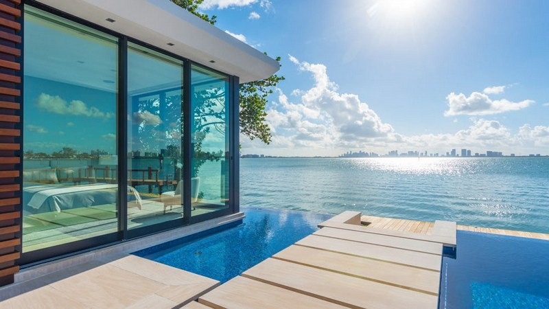 This Luxury Miami Beach Estate for Sale and Can be Yours - Luxury Miami Beach Real Estate - Luxury Real Estate - Luxury Neighborhoods - celebrity homes 2018 ➤ Explore The Most Expensive Homes around the world on our website! #mostexpensive #mostexpensivehomes #themostexpensivehomes #luxuryrealestate #luxuryneighborhoods #celebrityhomes @expensivehomes