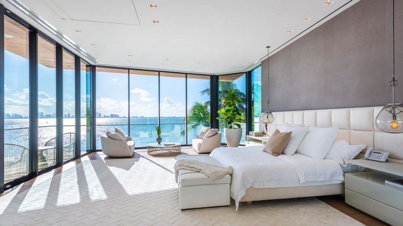 This Luxury Miami Real Estate for Sale and Can be Yours - Luxury Miami Beach Real Estate - Luxury Real Estate - Luxury Neighborhoods - celebrity homes 2018 ➤ Explore The Most Expensive Homes around the world on our website! #mostexpensive #mostexpensivehomes #themostexpensivehomes #luxuryrealestate #luxuryneighborhoods #celebrityhomes @expensivehomes