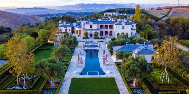 Thomas Tull's SoCal Luxury Real Estate Could be Yours for $85 Million - The Most Expensive Homes - luxury homes - Luxury Neighborhoods - Celebrity Homes 2018 ➤ Explore The Most Expensive Homes around the world on our website! #mostexpensive #mostexpensivehomes #themostexpensivehomes #luxuryrealestate #luxuryneighborhoods #celebrityhomes @expensivehomes socal luxury real estate Thomas Tull's SoCal Luxury Real Estate Could be Yours for $85 Million Thomas Tull   s SoCal Luxury Real Estate Could be Yours for 85 Million The Most Expensive Homes luxury homes Luxury Neighborhoods Celebrity Homes 2018 745x370
